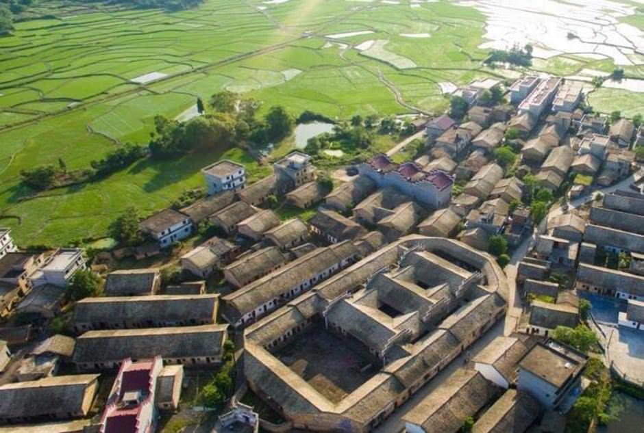 江西新余市邓家老屋的古建筑设计布局